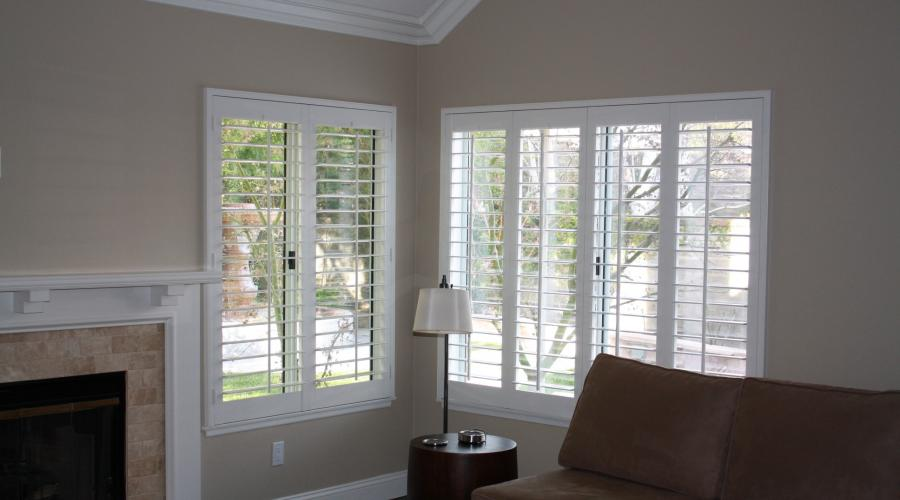 Shutters with single bead frames